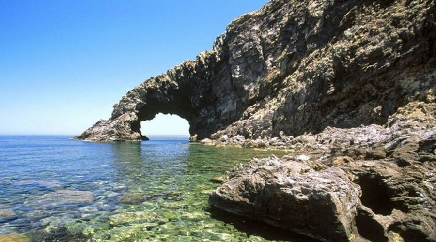 Arco elefante nel'isola di Pantelleria